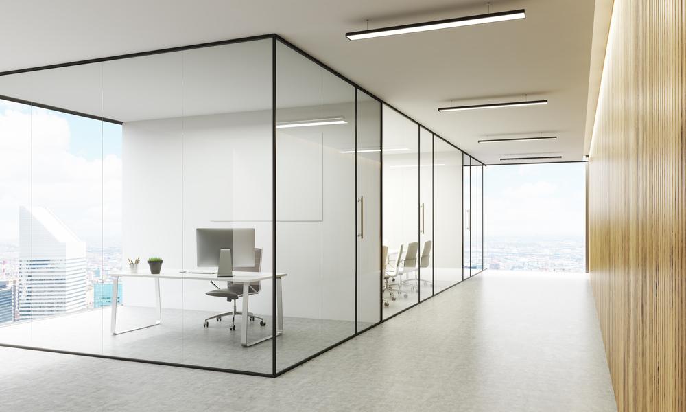 Avantages et inconvénients des portes et des cloisons en verre
